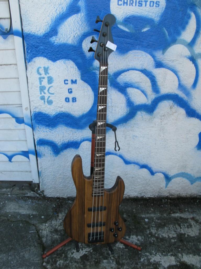 Deluxe Subway Custom Bass