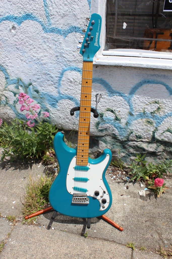 2012-5-8 0261 -- For Sale Ibanez Blue Roadstar II Electric Guitar