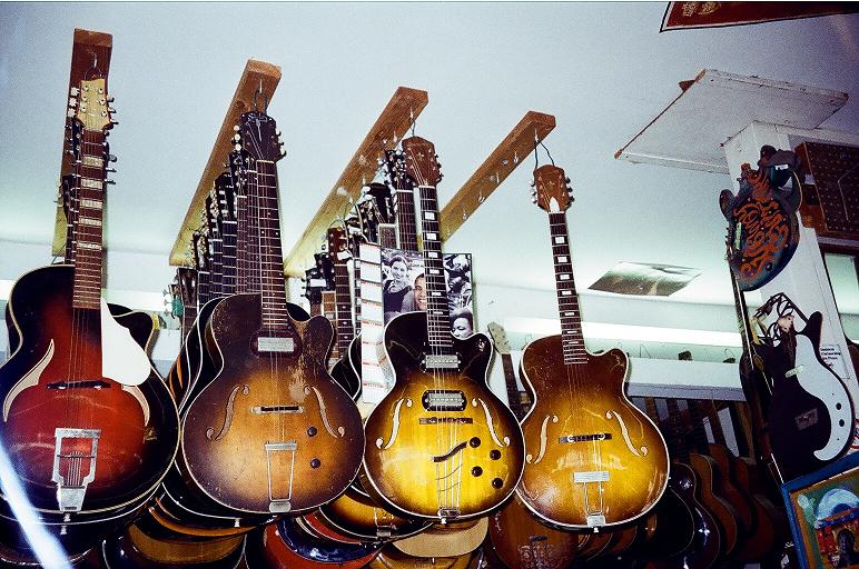 Harmony Triplek, 50's 1 Pu 'ES-175' owned by Richmond, CA storefront preacher, 60's 2 PU ES-175, 60's carved top 'L-4 C'