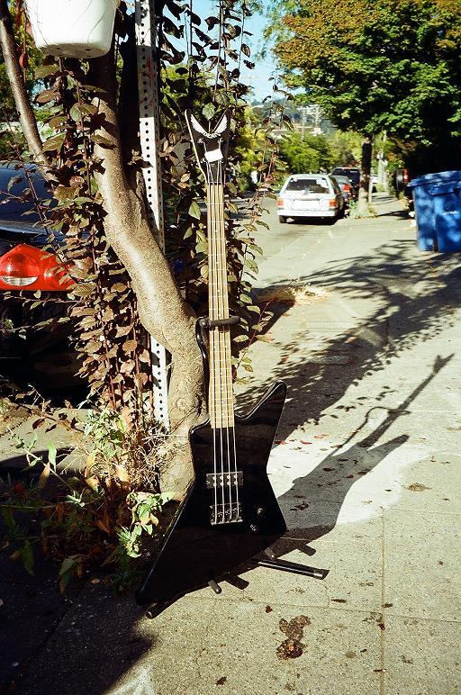 Dean bass $250