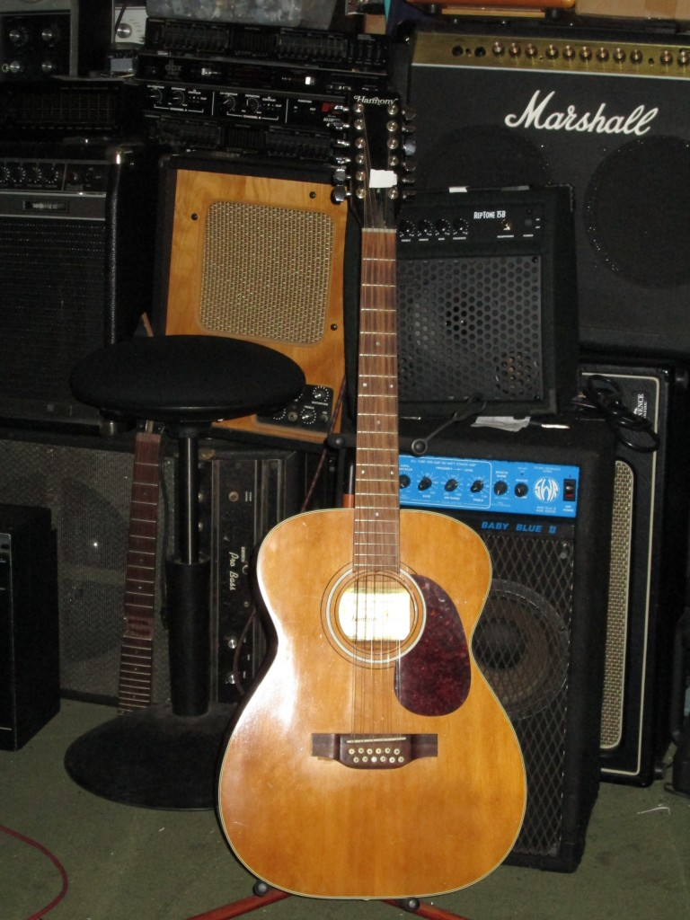 '60's Harmoy 000-12string all solid wood, neck reset w' good gears $375