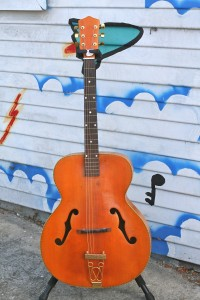 """1960 Kay 17"""" archtop $450"""