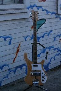 Old Rickenbacker 4001 Bass