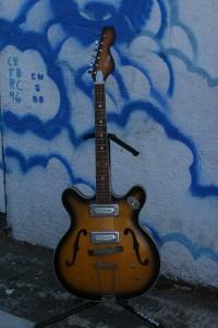 60's Crestwood ES-330 $250