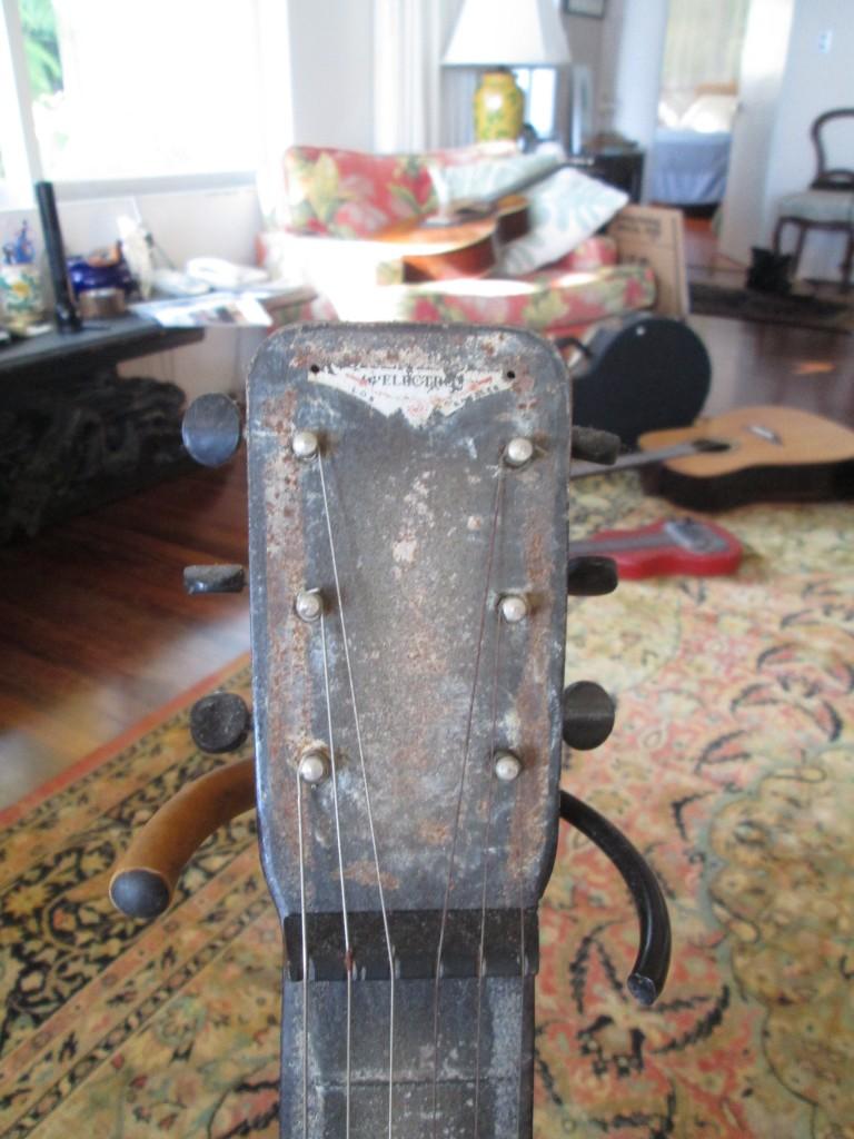 '40s Rickenbacker lap steel $900