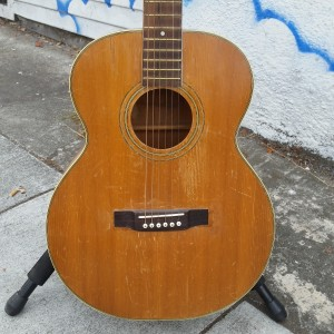 1950 Harmony Sovereign old style hourglass 000-18 sovereign - great blues guitar. Reset straight neck  $450