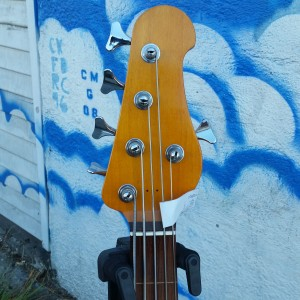 5 string bass warmoth Korina body fretless neck alembic pickups Bartolini preamp $900
