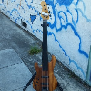 Warmoth lefty 5 string bass fretless ebony Bartolini jazz pickups Korina mahogany $900