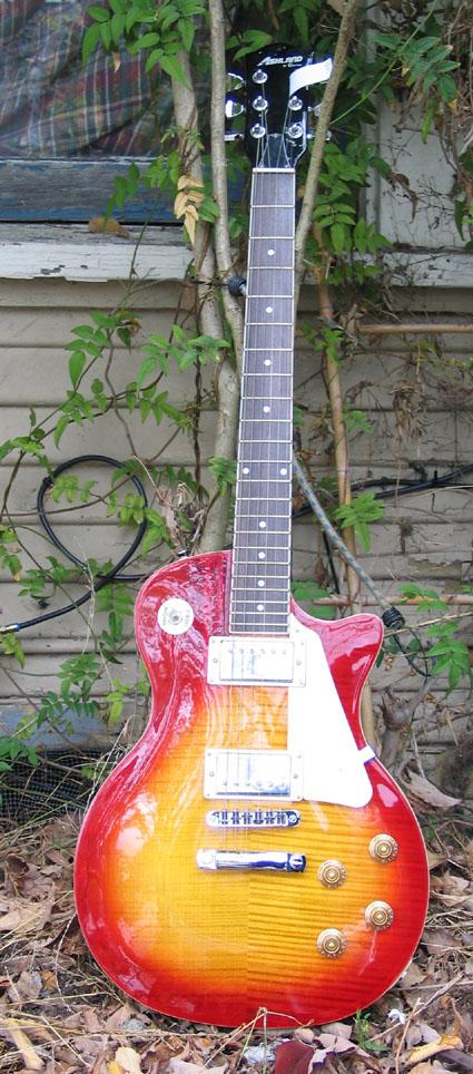 SUBWAY GUITARS: Gibson-style Guitars